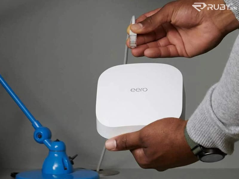 Bộ định tuyến Wi-Fi 6 Mesh Amazon eero Pro 6