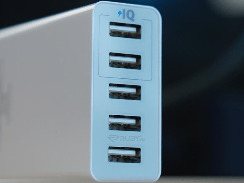 Bộ sạc 5 cổng USB đế lỗ sạc