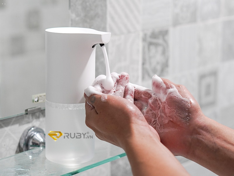 Tiện ích văn phòng: Máy tạo bọt rửa tay cảm ứng