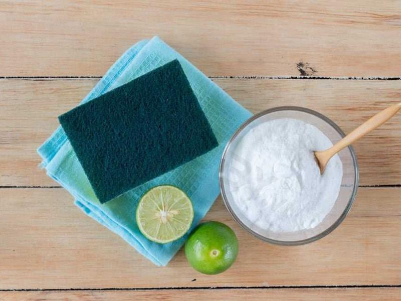 Cách vệ sinh bình giữ nhiệt bằng baking soda và chanh