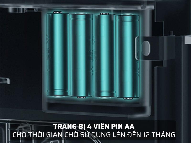 Két sắt thông minh sử dụng pin dung lượng lớn