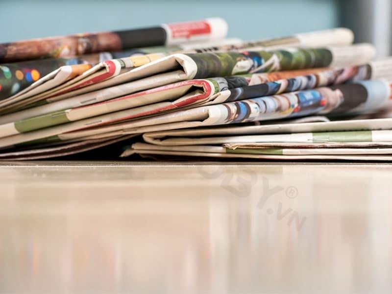 cách khử mùi trong bình giữ nhiệt bằng giấy báo cũ