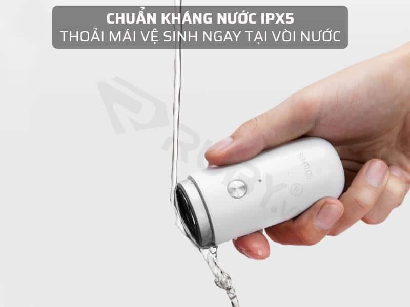 Chuẩn kháng nước IPX5 thoải mái vệ sinh ngay tại vòi