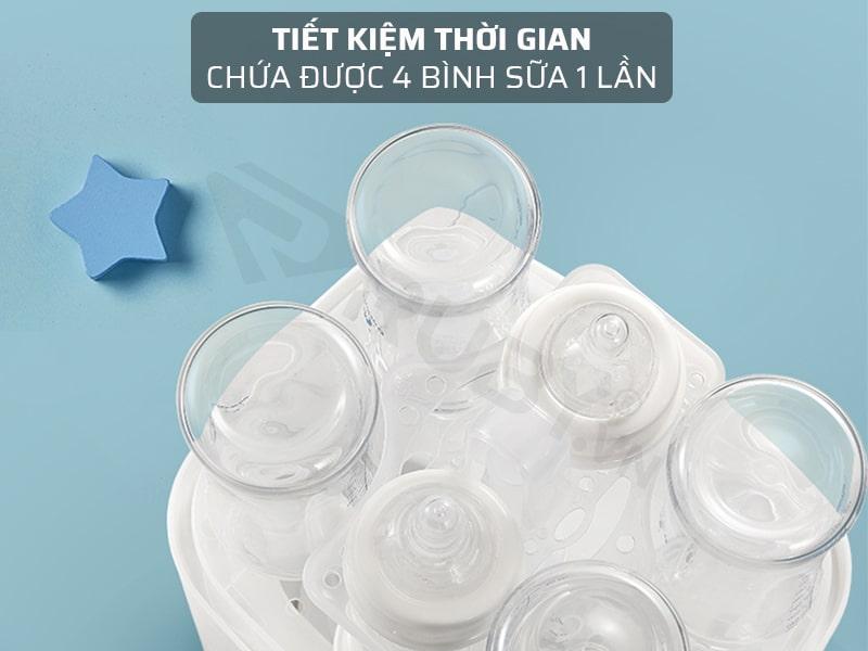 Sử dụng máy hâm sữa 3 in 1 giúp tiết kiệm thời gian chứa được 4 bình sữa 1 lần