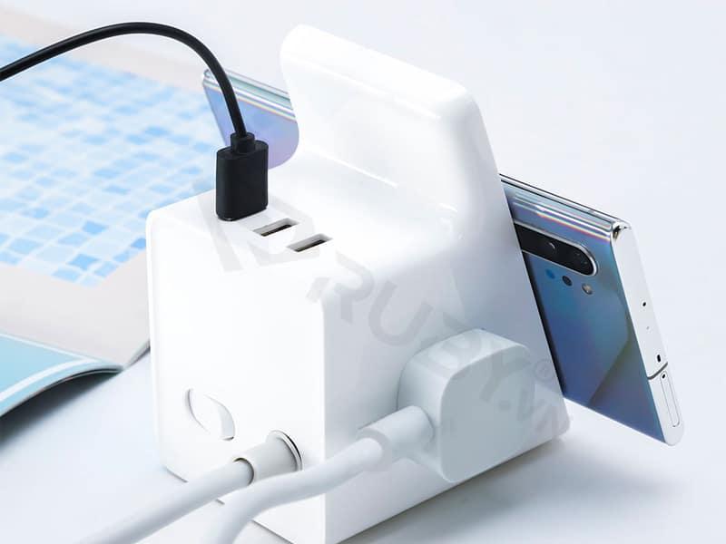 Đảm bảo kết nối sạc với nguồn điện