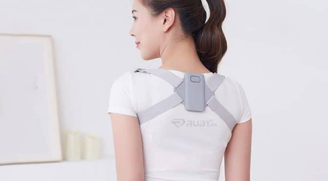 Sử dụng đai đeo chống gù lưng có hiệu quả không?