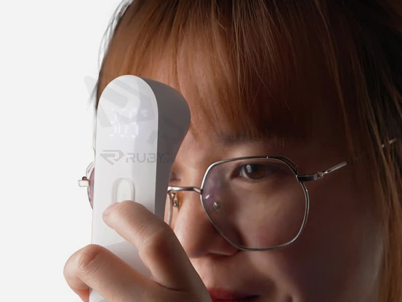 Thông qua thấu kính laser để đo nhiệt độ