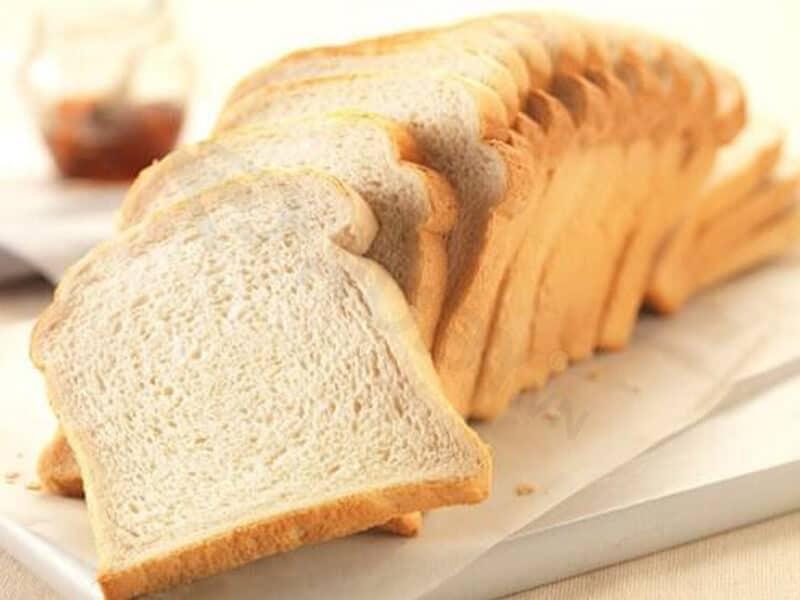 Dùng bánh mì khử mùi hiệu quả