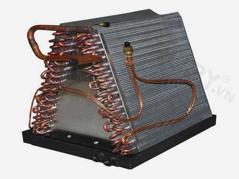 Kiểm tra bộ dây ngưng tụ của máy điều hòa hơi nước