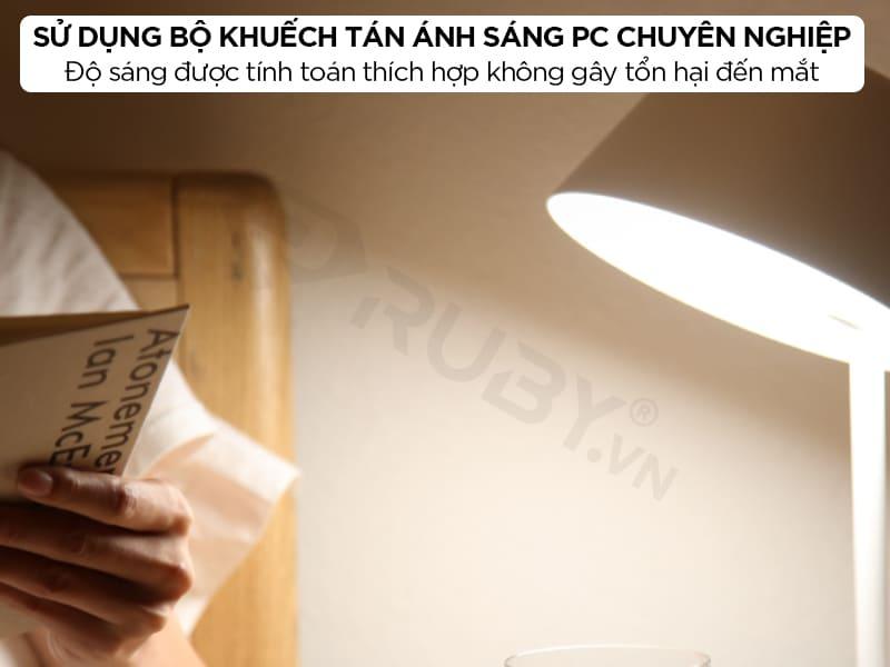 Đèn bàn làm việc sử dụng bộ khuếch tán sánh sáng