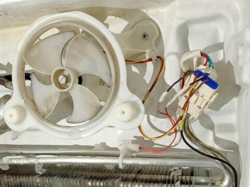 Kiểm tra dây điện và gia cố lại chúng bằng các điểm hàn