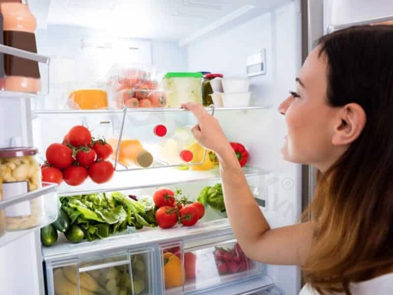 Những lưu ý hạn chế mùi hôi trong tủ lạnh xuất hiện