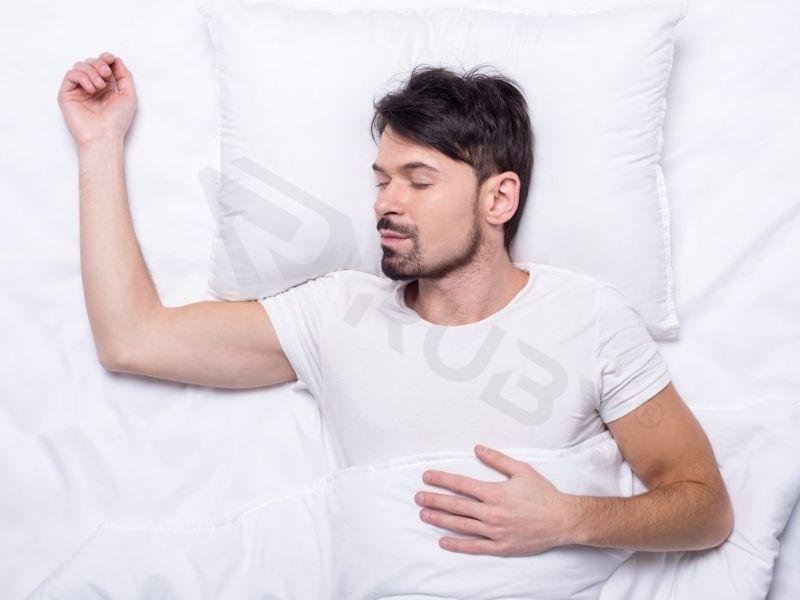 Cách chữa gù lưng bằng điều chỉnh tư thế ngủ