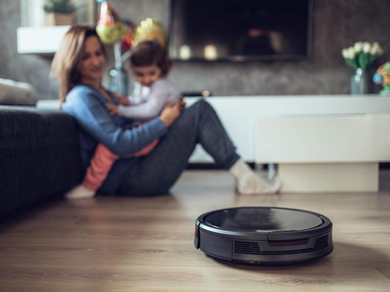 Vệ sinh robot hút bụi tại nhà